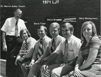 Steve Pierce, second from right, was a member of professor Marvin Selke's 1971 livestock judging team. Others include Selke, Howard Barnes, Steve Todd, Steve Brophy, Pierce and Mary Montgomery. (Photo courtesy UA animal sciences department.)