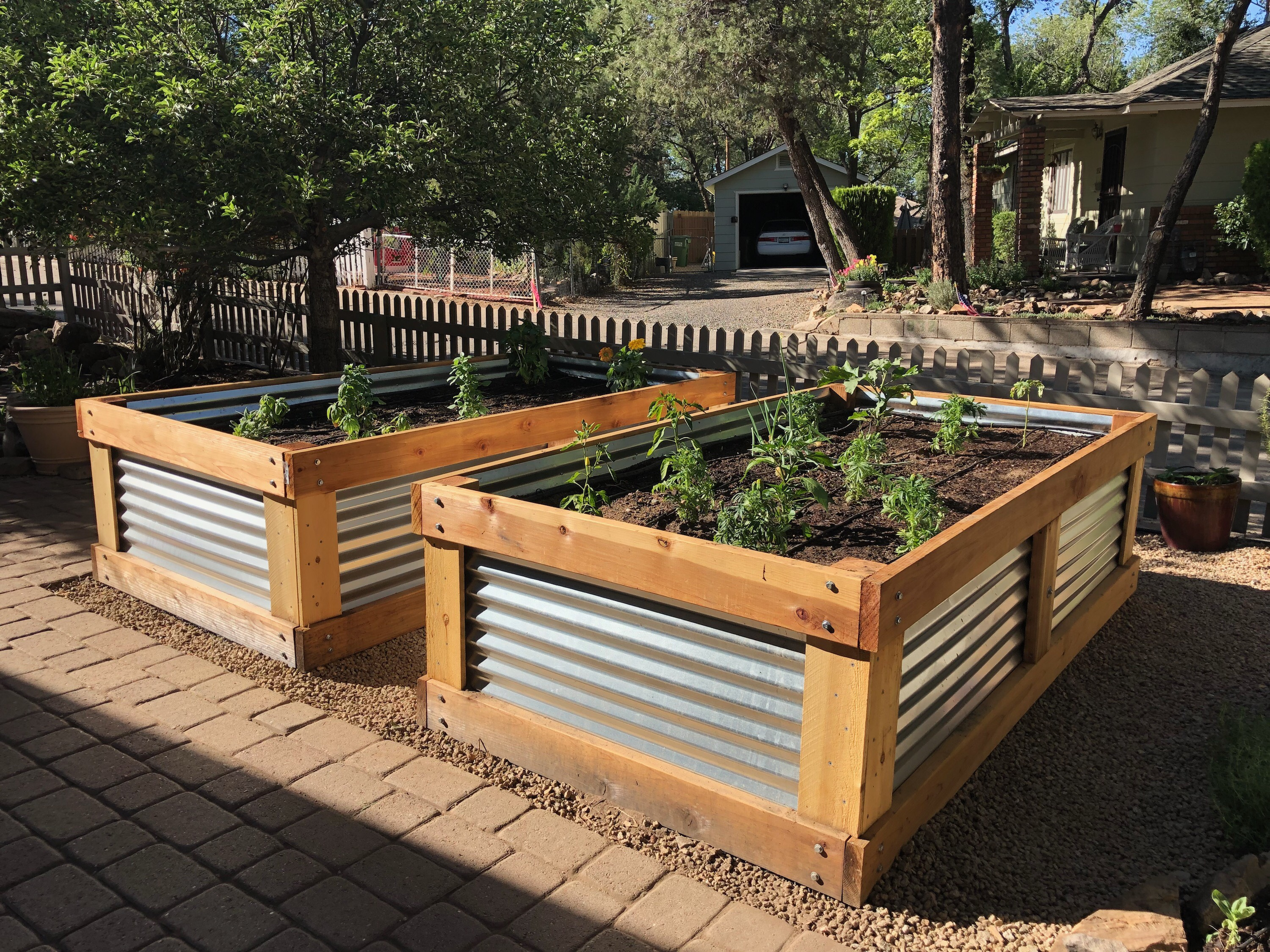 Picture of: Backyard Gardener Raised Bed Construction April 8 2020